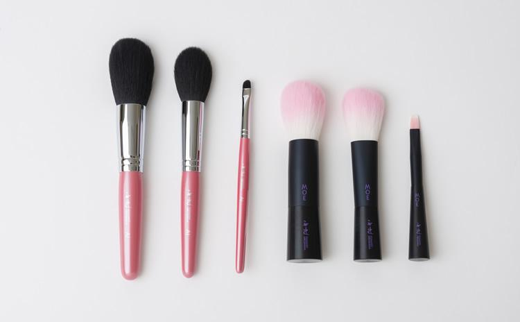 肌への感触、お手入れのしやすさを考慮し製造された化粧筆